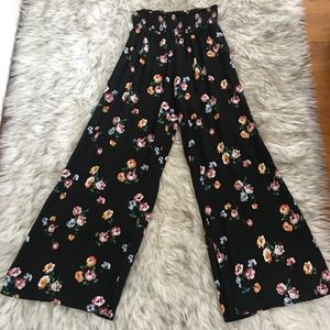 Abercrombie & Fitch black, floral pants.